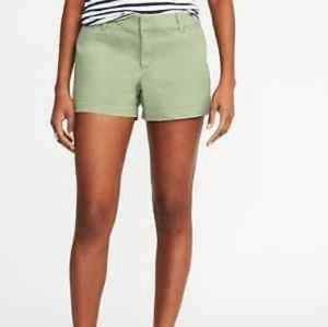 Old Navy Women's Pixie Mid-Rise short Green As 6